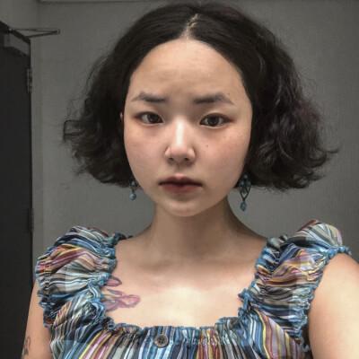 Eunji zoekt een Kamer / Studio / Appartement in Den Haag