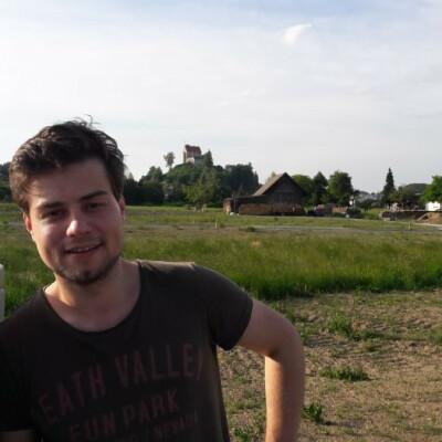 Elija zoekt een Kamer/Studio/Appartement in Den Haag